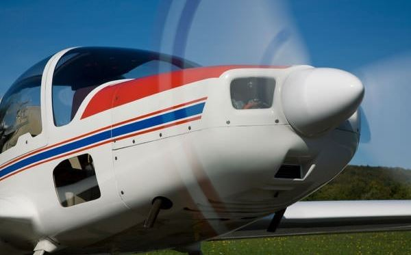 30 minute flying lesson in nottinghamshire 4 seat plane