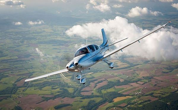 30-minute-introductory-flying-lesson--uk-wide-selection-main.jpg