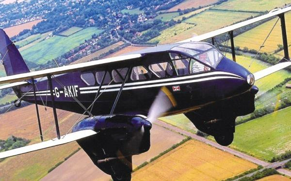 Dragon Rapide Flight over London Flydays Experience 2
